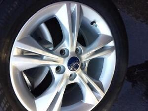 LIKE BRAND NEW FORD  FOCUS  FACTORY OEM  16 INCH ALLOY WHEELS WITH HIGH PERFORMANCE CONTINENTAL 215 / 55 / 16 ALLSEASONS