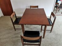 Vintage 1960's Extendable Dining Room Table With 6 Chairs