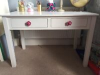 Feather and Black wooden ivory children's desk + chair