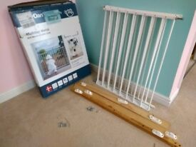 Hauck Safety Gate From Aldi 5 In Swindon Wiltshire Gumtree