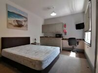 High Spec Studio Flat Situated Nearby Local Amenities £650.00 Inc Bills & Council Tax
