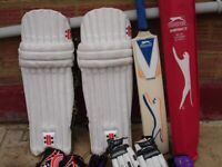 YOUTH Cricket Set Equipment +2 Original Red cricket balls
