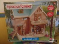 Sylvanian families Larchwood Lodge, Maple Manor with carport, Treehouse Job Lot not played with.