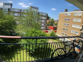 Huge cosy double room with balcony. By shops in Putney