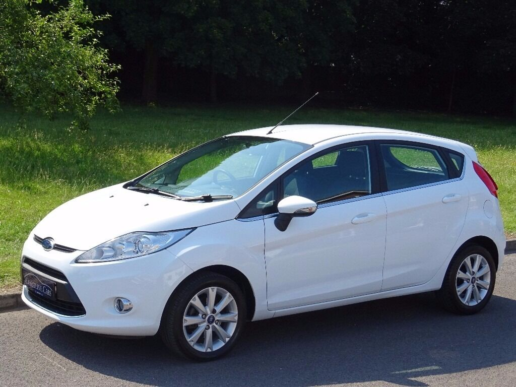 2011 ford fiesta 1 25 zetec 5dr frozen white 27000 miles only