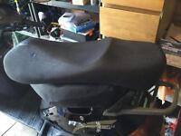 Vespa gt125 seat as new in mottled black