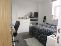 West bridgford ensuite double bedroom, new furniture,dishwasher, dryer , washer ,near bus routes