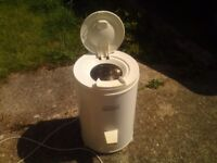 FRIGIDAIRE 2800 RPM,CLOTHES SPIN DRYER, CHEAPER TO USE THAN TUMBLE DRYER,CAN BE SEEN WORKING