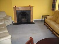 Maisonette Ground 3 Bed Separate Sitting Room BathShower Own Garden Very Near BR Bus