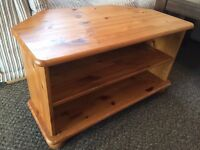 @@SOLID PINE TV UNIT WITH BUN FEET@@