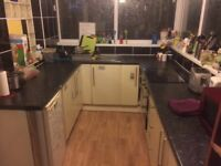 Double room in 5 bedroom house 95pw bills included