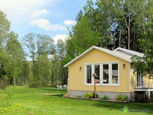 239 000$ - Maison de campagne à vendre à St-Ferréol-les-Neige Québec City Québec image 2
