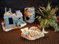 Fish tank ornaments and plant