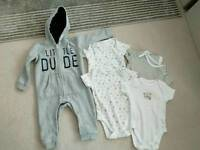 9-12 months Unworn 4 bodysuit and a full Jersey suit
