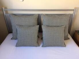 Dogtooth cushions
