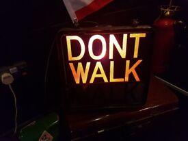 VINTAGE ILLUMINATED TIMED WALK DONT WALK SIDEWALK PEDESTRIAN ALLOY CASED SIGN FAB DISPLAY DECOR GWC