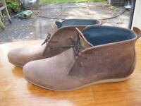 Men's SOLE brown leather boots, EU43/UK9