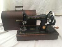 1939 SINGER sewing machine HAND OPERATIONAL