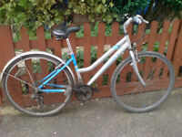 CLAUDE BUTLER CLASSIC COMMUTER TOURING HYBRED BIKE