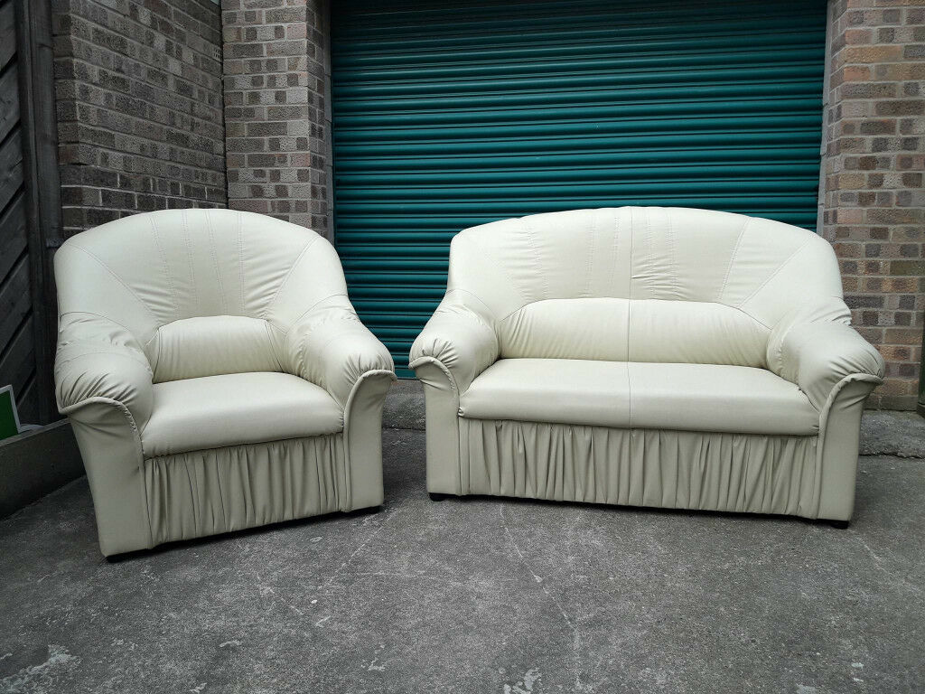 Faux leather cream 2 seater settee sofa and chair in excellent condition / free delivery