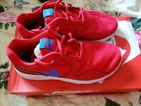 New Nike Trainners size 5
