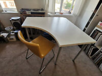 Ikea corner office desk - barely used
