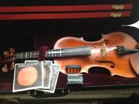 Perfect condition Viola 4/4 size ( including case, strings )