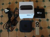 Apple TV 2nd Generation Media Streamer Complete Excellent Condition