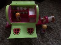 Elc Happyland caravan and horse