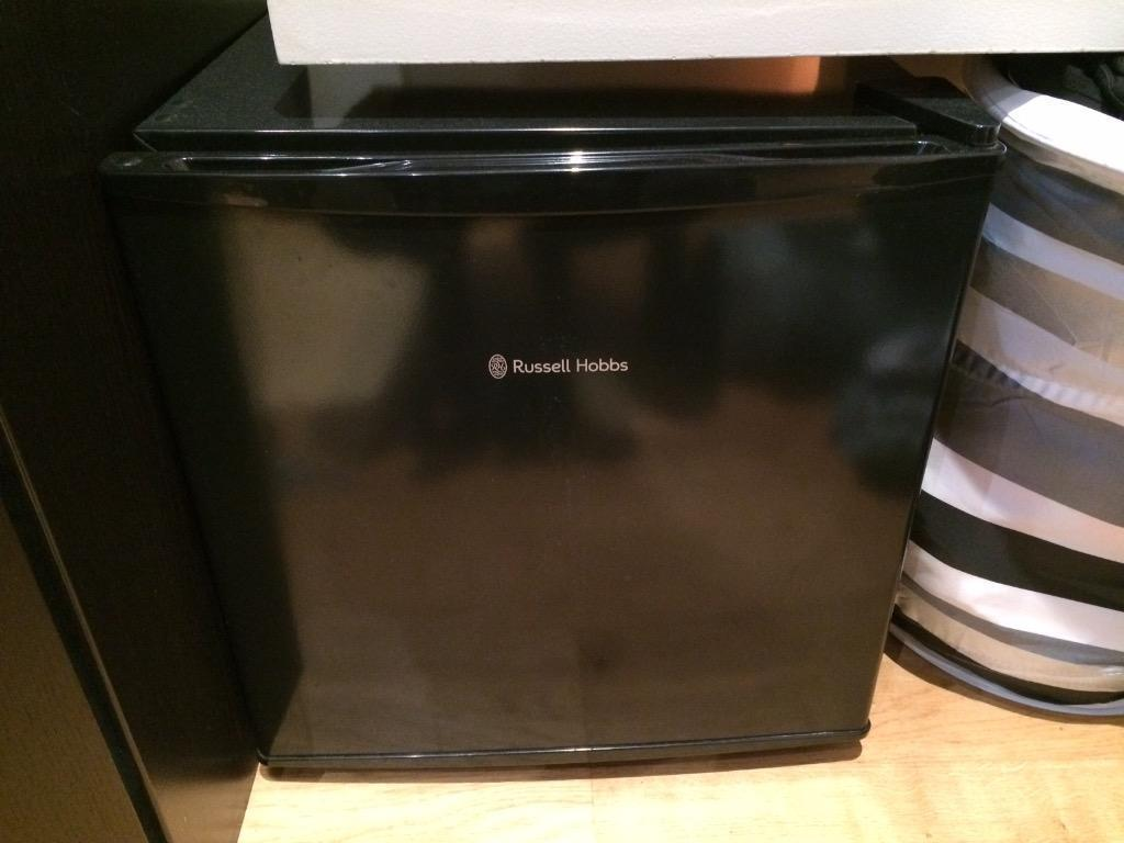 Russell hobbs 32 litre table top freezer in black in for Table top freezer