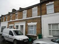 Well presented TWO DOUBLE BEDROOM UNFURNISHED HOUSE located close to Bromley South Station & Shops