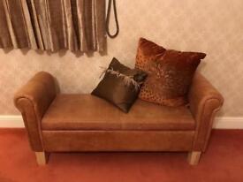 Chaise Longue (Practical)