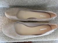 Women's size 7 slip on shoes
