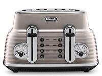 De'Longhi Toaster Scultura CTZ4003.BG, 1800 W - Champagne.. brand new
