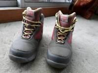Hi-tec walking boots size 4