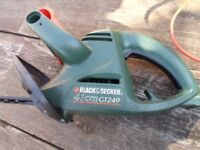 electric hedge trimmer in used condition complete with flex/plug