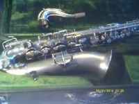 A MARTIN C MELODY SAXOPHONE made for LYONS & HEALY In the USA, EXCELLENT CONDITION +++