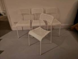 4x dining chairs, white, in good condition.