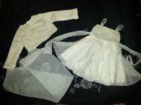 Stunning Size 3-4 Ivory Christening/Flower Girl Dress, Jacket & Scarf. £30.00 Kennington SE11 5NG