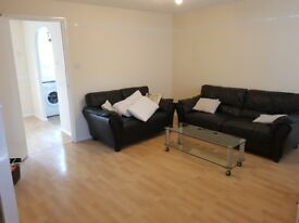 Double room to rent amazing price