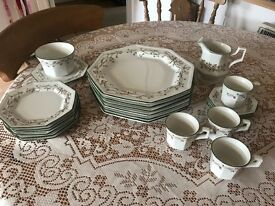 Eternal Beau dinnerware set - various
