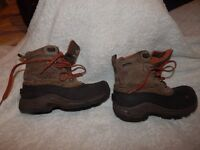 North Face Kids Waterproof Hiking Boots Size UK 2.