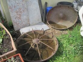 mexican hat pig feeder, cast iron could be a good planter