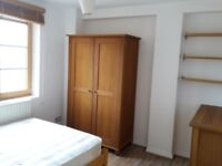Bright, modern 2 bed flat to rent in Spitalfields/Liverpool St