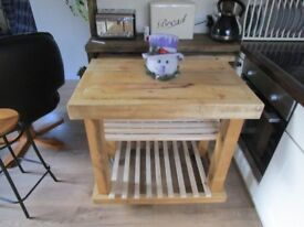 ++REDUCED++BESPOKE NEW HAND MADE BUTCHER BLOCK KITCHEN ISLAND 35ins X 23ins X 34ins. ON WHEELS,