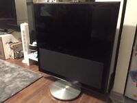 B&O Bang & Olufsen Beovision 10-40 w/motorised stand - TV is for parts, stand works perfectly