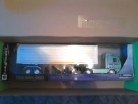 MERCEDES BENZ MODEL ARTICULATED HGV LORRY.