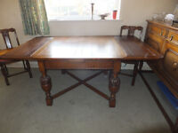 Extending dining table