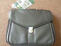 Masters of London Executive Case / Laptop Locking Case New with Tags 16 x 14 inch
