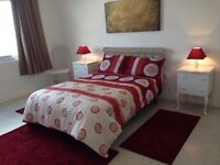 ****beautiful House to share. Large private room ideal for couple or single person**